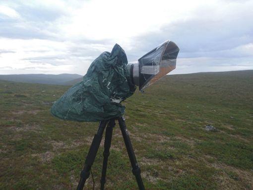 Kamera pitää välillä suojata luonnonolosuhteilta.