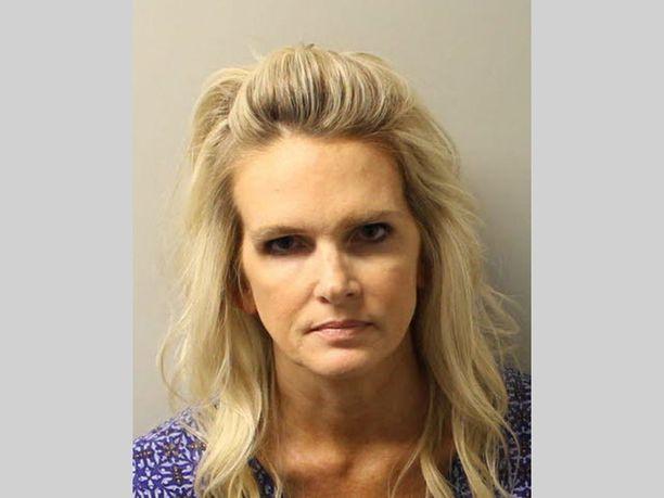 Denise Williams, 48, pidätettiin aviomiehensä murhasta epäiltynä 17 vuotta tämän katoamisen jälkeen.