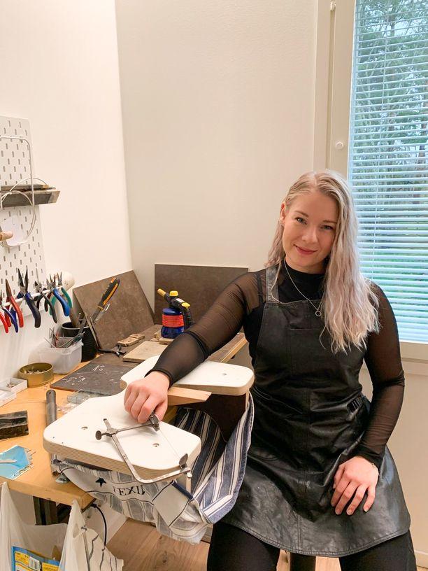 Linda Lakanen halusi auttaa itseään ja muita yrittäjiä verkkoon perustetulla Joulumyyjäiset 2020 -sivustolla.