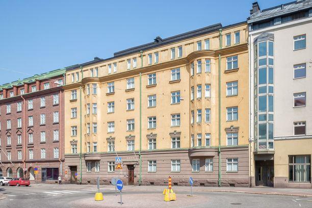 Runeberginkatu 15:n omaisuus on yli 10 miljoona euroa.