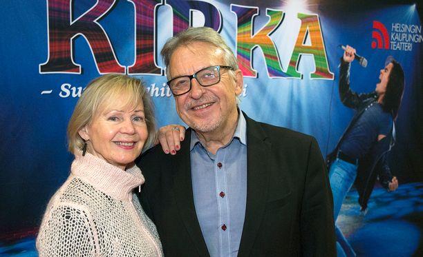 Kaarina Turunen ja Reijo Salminen kehuvat Kirka-musikaalin päätähtiä.