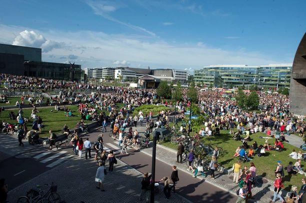 Meillä on unelma -mielenosoitus keräsi Helsingin Kansalaistorille noin 15 000 osallistujaa tiistaina 28. heinäkuuta.