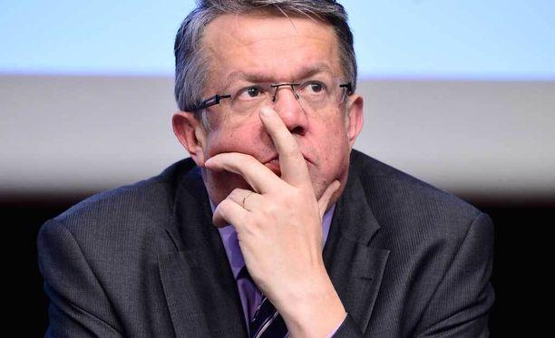 Perhe- ja peruspalveluministeri Juha Rehula