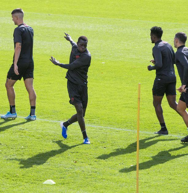 Joseph Bouasse harjoitteli Roman joukkueen mukana ennen Borussia Mönchengladbachin kohtaamista Eurooppa-liigassa viime marraskuussa.