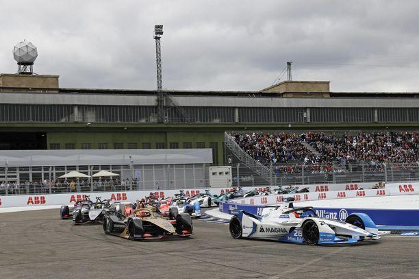 Formula E haluaa ajaa kauden loppuun asti. Kuva viime vuoden Tempelhofin kilpailusta.