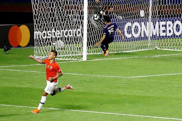 Eduardo Vargas ja Chile löivät Japanin 4–0. Ecuador ei ole yhtä helppo suupala.