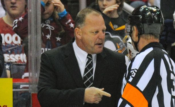 Gerard Gallant on Vegas Golden Knightsin päävalmentaja.