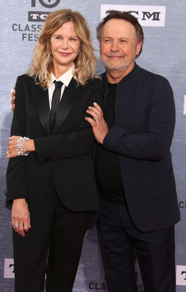Billy Crystal on toiminut Oscar-gaalan juontajana lukuisia kertoja. Meg Ryan on keskittynyt näyttelemiseen.