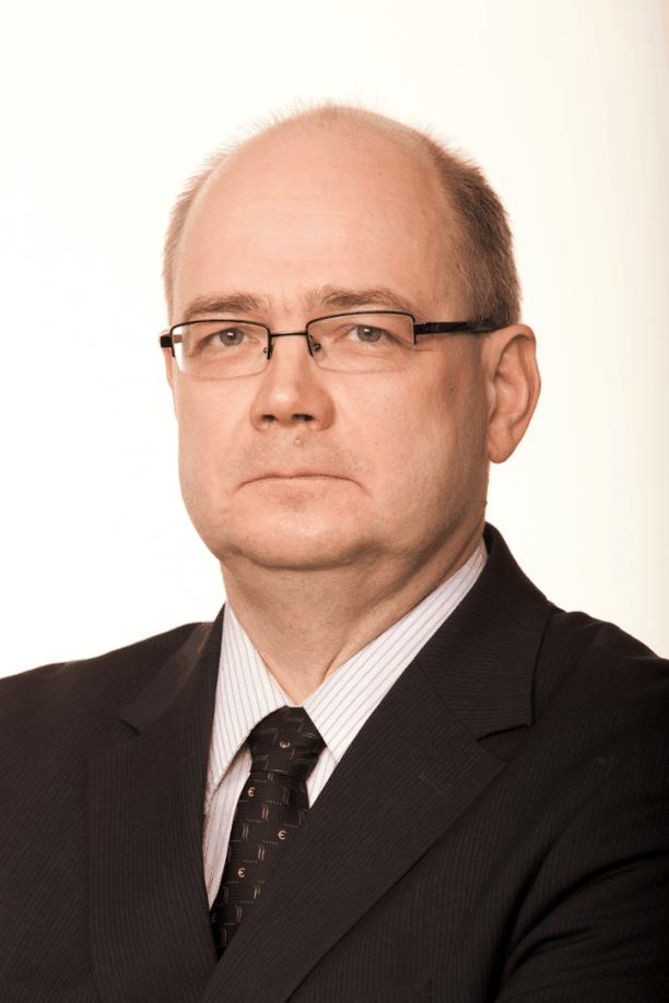 """Kokoomuksen henkilöstöasioista vastaava hallintopäällikkö Timo Elo ei kommentoi """"yksittäistä työsuhdetta""""."""