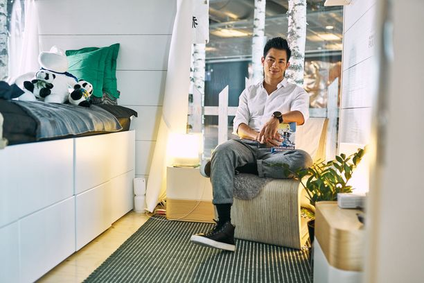Ryan Zhu kokeili kuukauden verran elämää Helsinki-Vantaalla.