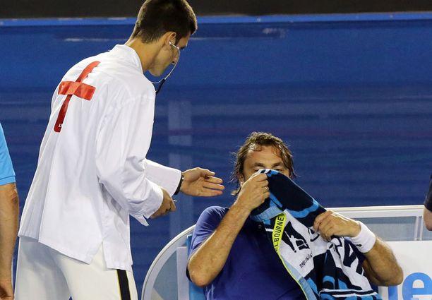 Tässä tulee tohtori Djokovic.