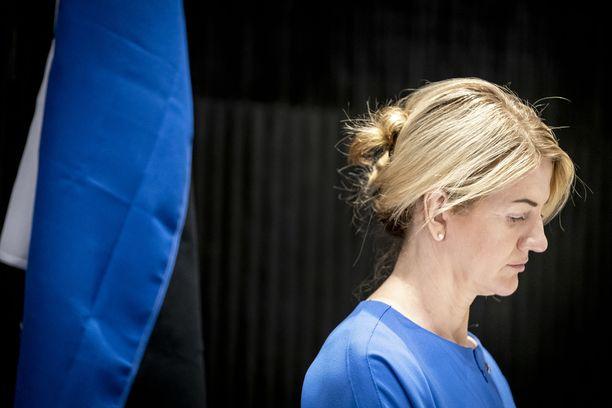 Viron ulkoministeri Eva-Maria Liimets odottaa sekä poliittisia vieraita että turisteja takaisin Viroon.