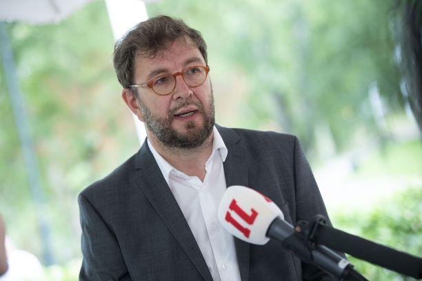 Ministeri Timo Harakka on siirtynyt etätöihin hengitystieoireiden vuoksi. Kuvassa Harakka SDP:n puoluekokouksessa Tampereella 22. elokuuta 2020.