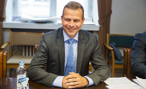 Kokoomuksen puheenjohtajalla Petteri Orpolla on varaa ainakin pieneen hymyyn, sillä kokoomus on Iltalehden ja Uuden Suomen gallupissa edelleen Suomen suosituin puolue.