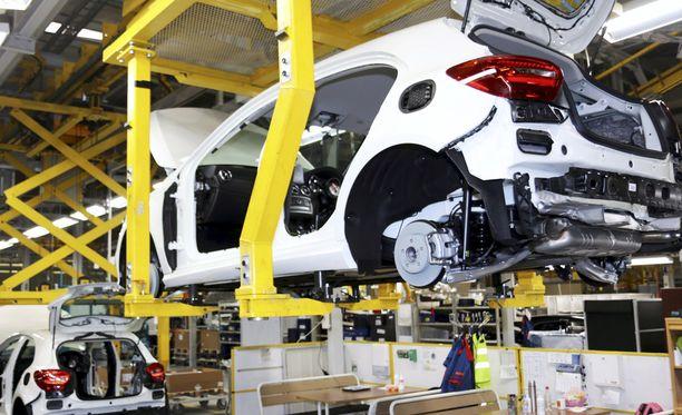 Iltalehti haastatteli yhteensä viittä autotehtaan työntekijää. Yksi yhteyttä ottaneista on niin uupunut, että kertoo haaveilevansa irtisanoutumisesta. Kuvituskuva.