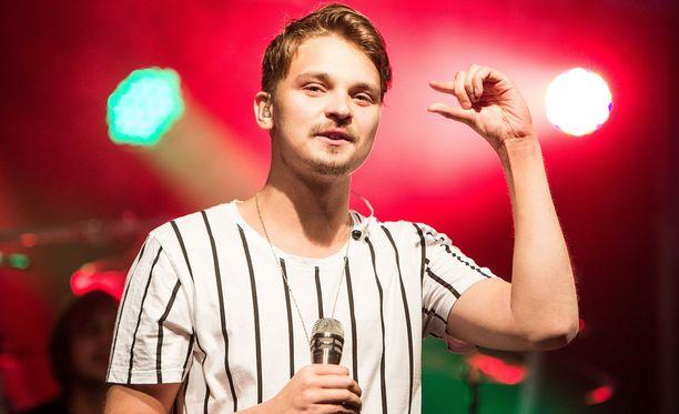 Roope Salminen myöntää, että hänen rap-esityksensä meni liiaksi Antti Rinteen henkilöön.