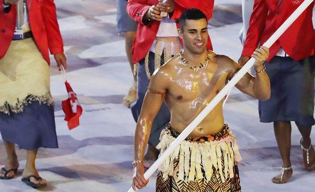 Pita Taufatofua kohautti Rion olympialaisten avajaisissa.