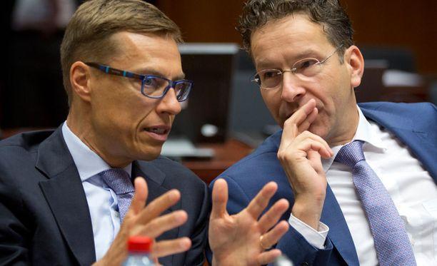 Valtiovarainministeri Alexander Stubb (kok) keskusteli tiistaina Hollannin valtiovarainministeri Jeroen Dijsselbloemin kanssa Brysselissä.
