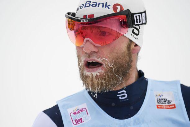 Martin Johnsrud Sundby joutuu taistelemaan olympiapaikastaan.