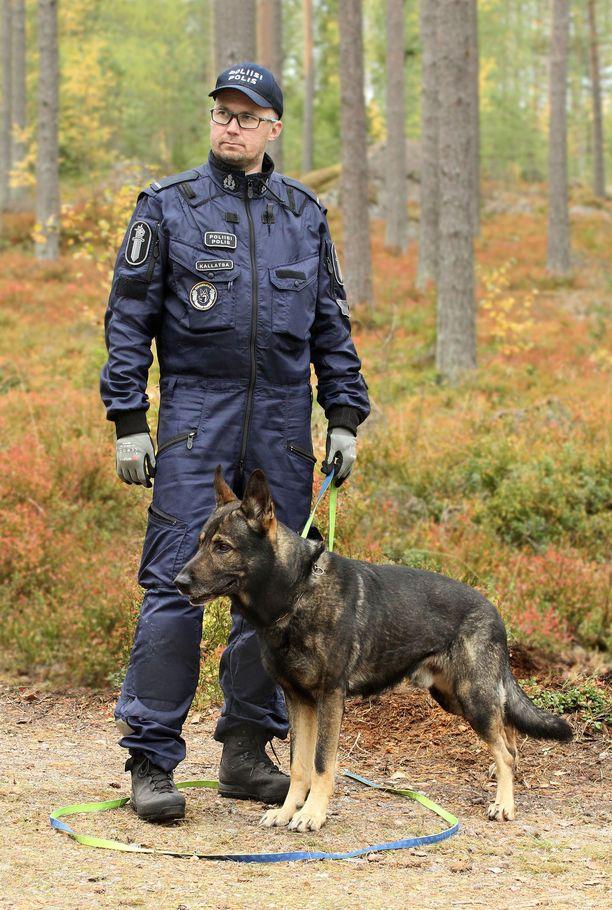 Aki Kallatsa ja Morris hälytettiin kotoa etsinnöille syksyn hämärtyvään iltaan.