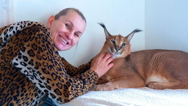 Ivana ruokkii otuksiaan suositusten mukaan. Hän uskoo, että eläimet syövät häntä paremmin.