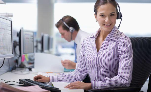 Asiakaspalvelutyöpaikkoja on usein vaikea täyttää.