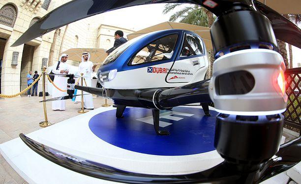 eHang 184 -dronea esiteltiin tiistaina World Government Summitissa Dubaissa.