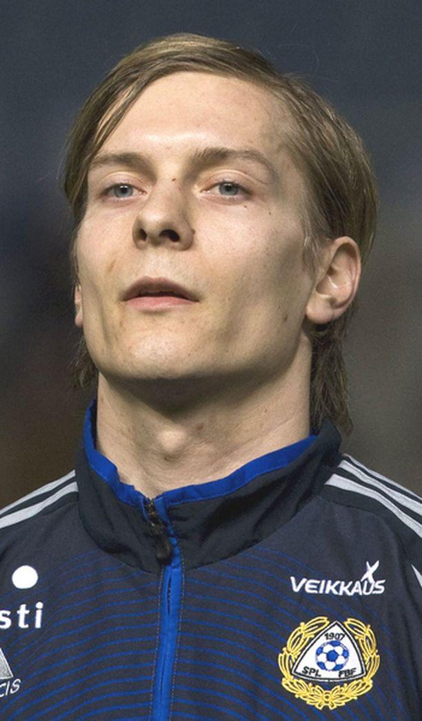 Markus Halsti palloili vielä viime kaudella HJK:n puolustuslinjassa.