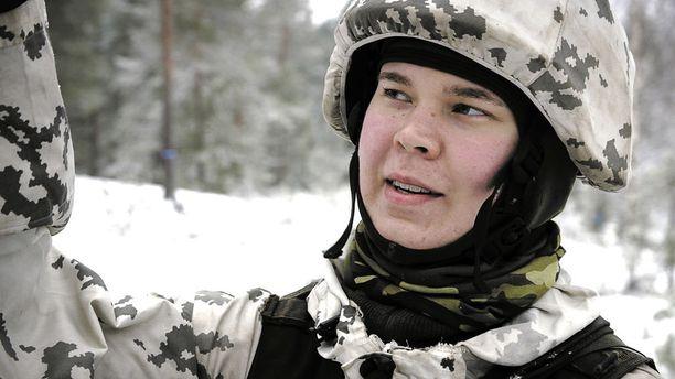 Jenni jännittää sitä, miten armeija-aika vaikuttaa hänen mielenterveyteensä, sillä hänellä on masennushistoriaa.