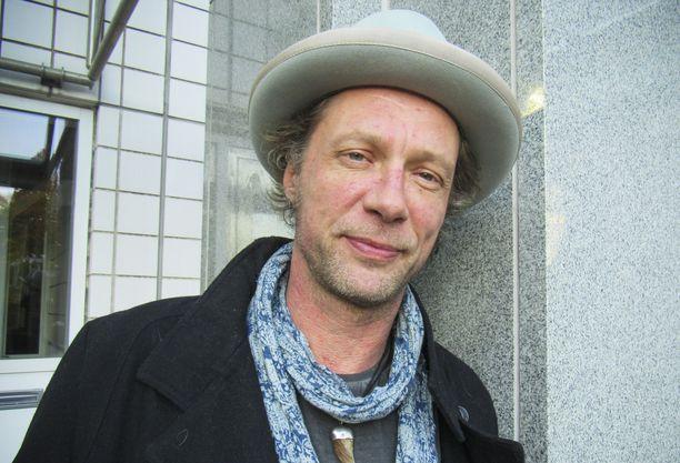 Antti Reinin lukemat novellit olivat liian rohkeita radioon.