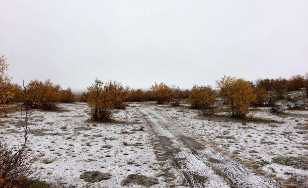 Lunta jäi maahankin Enontekiön Näkkälässä.