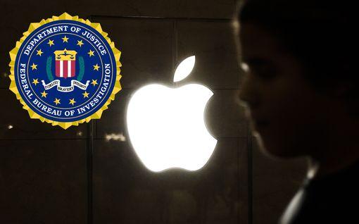 """Apple kieltäytyi avaamasta puhelimia FBI:n terrorismitutkinnalle – Trump jyrähti: """"Heidän täytyy ottaa vastuuta"""""""