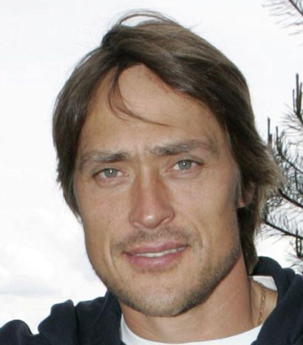 21 maalia tällä kaudella tehnyt Teemu Selänne joutui tyytymään kahdeksanteen tilaan.