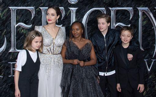 Näin Angelina Jolien ja Brad Pittin lapsilla menee nykyään: Kielinero, korusuunnittelija, keksimyyjä...