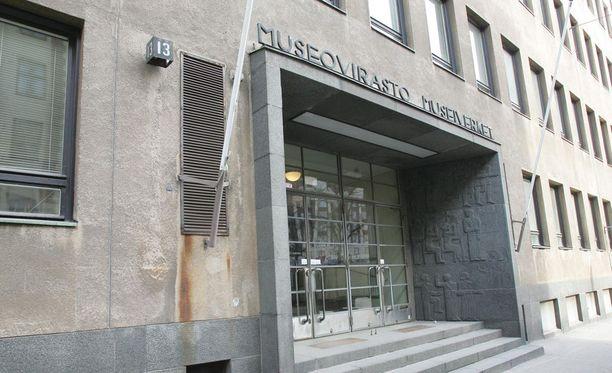 Esimerkiksi pelkkien Museoviraston palvelinkulujen vuosikustannukset nousevat 10 000 eurosta 61 000 euroon, jonka päälle palvelinten siirrosta Valtorin tiloihin virasto joutuu pulittamaan yli 40 000 euroa.