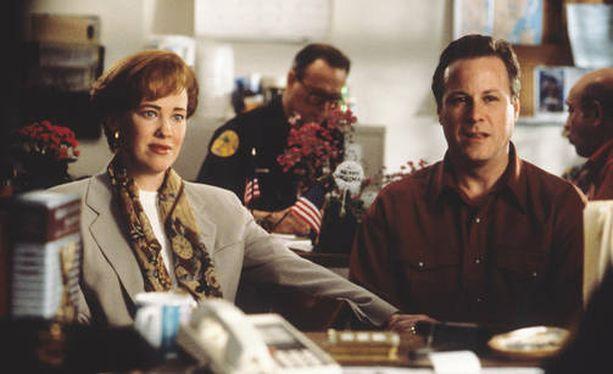 Heard (oik.) näytteli isää elokuvassa Yksin kotona.