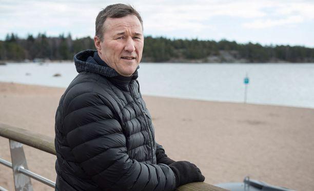 Jari Härkälä neliraajahalvaantui kaksi vuotta sitten.