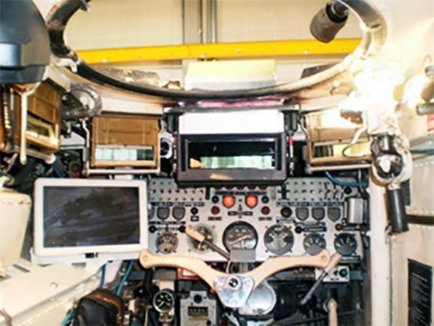 Bemarin ajajan tila, lämpökameroiden näyttö ja tähystyslaite. Elinjaksopäivityksen avulla maavoimien operatiivisten joukkojen mekanisoidut taisteluosastot pystyvät käyttämään vaunuja vähintään 2030-luvulle lopulle.