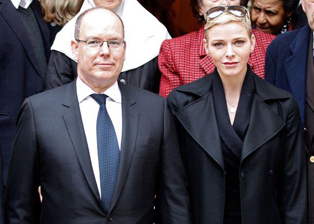 Ruhtinas ja ruhtinatar osallistuivat Punaisen Ristin tapahtumaan Monacossa.