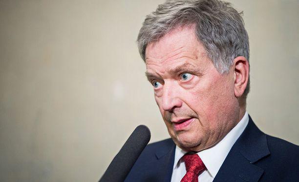 Myös Sauli Niinistö otti osaa Tuomas Ylevän aloittamaan vanhuuskeskusteluun.