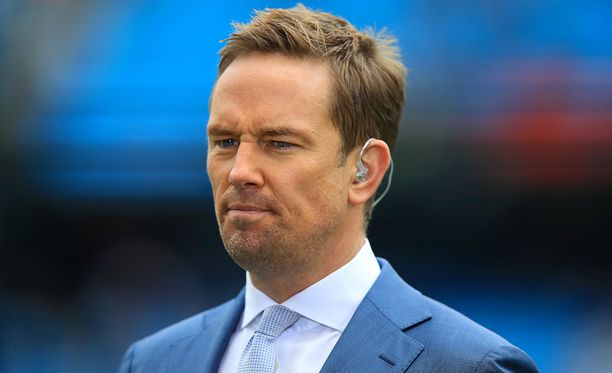 Simon Thomas on tuttu hahmo brittiläisen Sky Sportsin valioliigalähetysten katsojille.