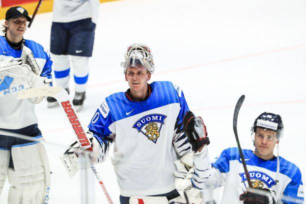 Nollapelin pelannut Kevin Lankinen jakeli kehuja joukkuetovereilleen.