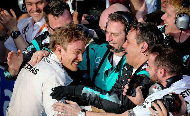 Nico Rosbergin kisa päättyi onnellisesti voittoon.