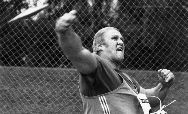 Ari Huumonen jäi vuonna 1983 vain reilut puoli metriä MM-mitalista.