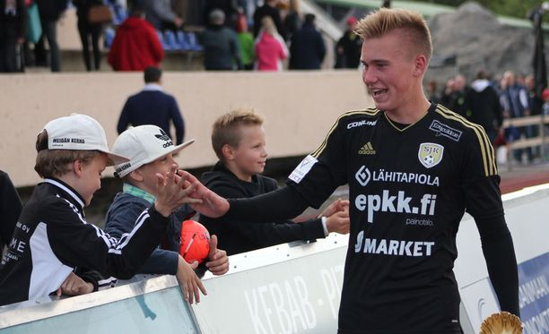 Emil Lidman oli SJK-fanien sankari.