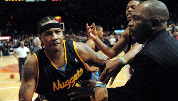 NBA:n pistekunkku Carmelo Anthony otti kipinää toden teolla.