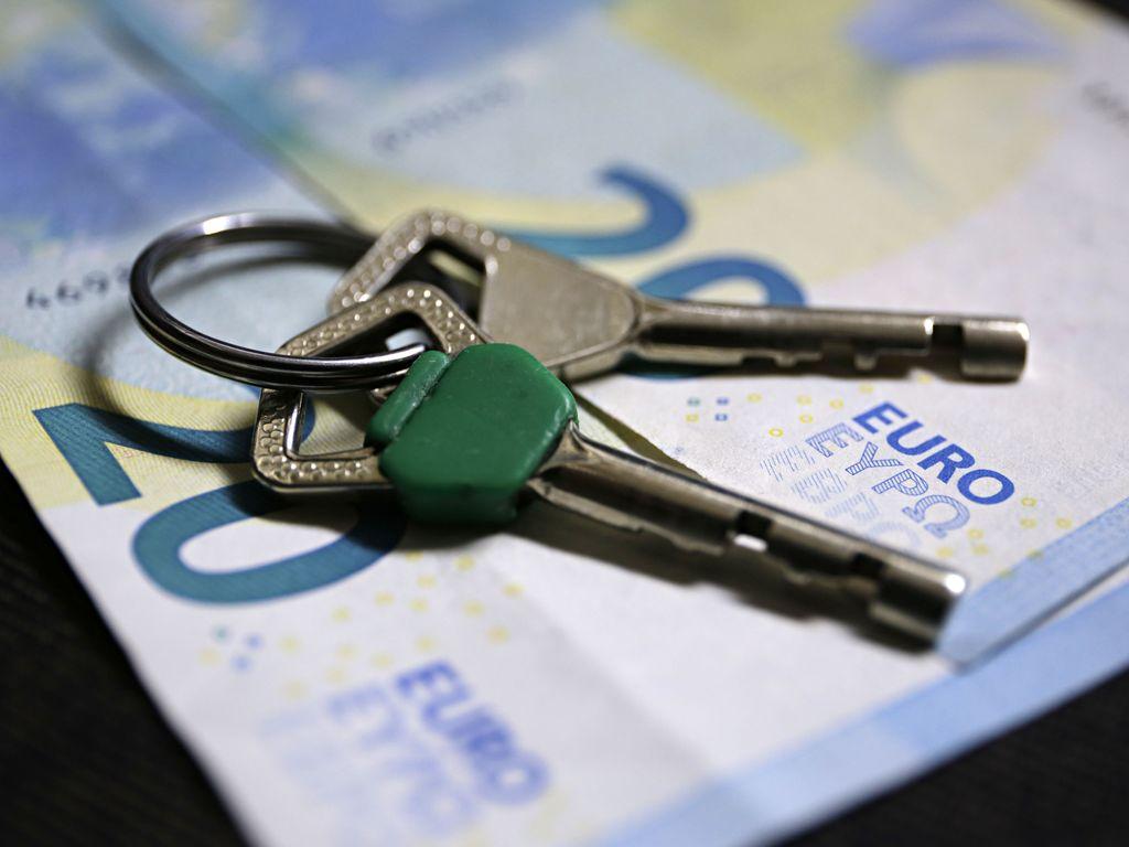 Leski vaati yli 4000 euron vahingonkorvausta, koska välittäjä oli kertonut perintökiinteistön arvon myös muille