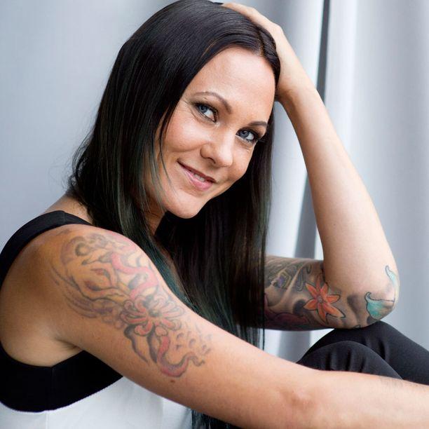 Mira Luoti on Hiuksilla hyvää -kampanjan suojelija.