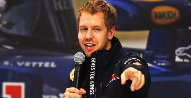 Sebastian Vettel varmisti uransa toisen maailmanmestaruuden Japanissa.