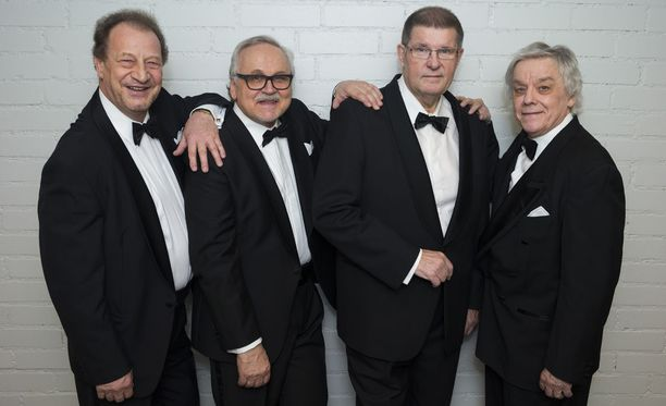Kivikasvot vuonna 2015 kokoonpanolla Henrik Lamberg, Ismo Sajakorpi, Fredi ja Seppo Ruohonen.